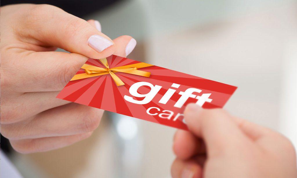 Come attirare clienti in un ristorante - gift card