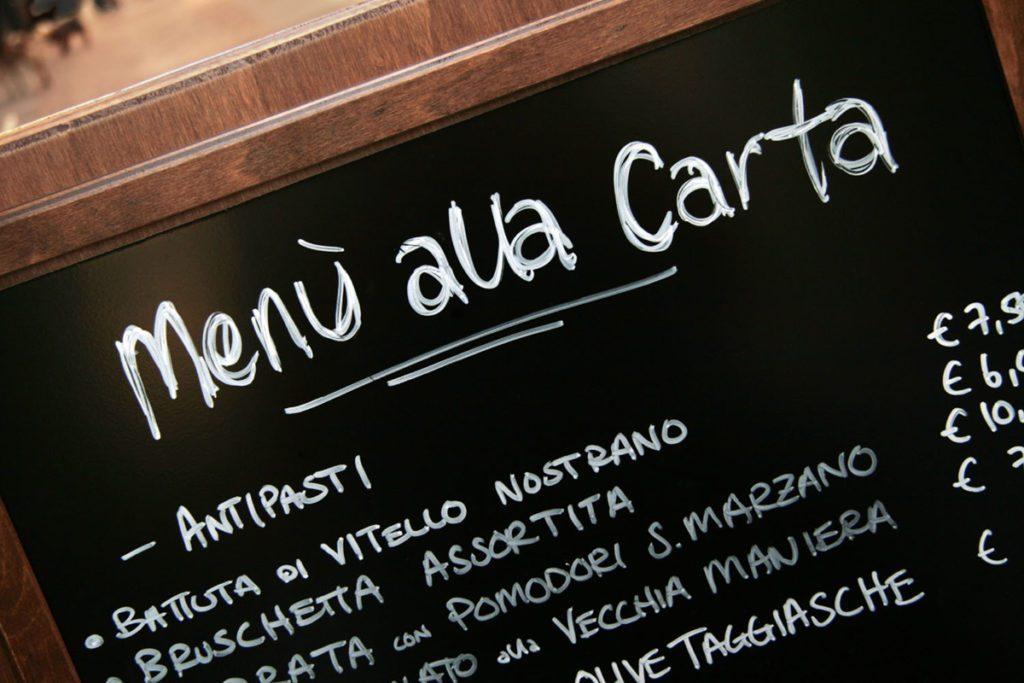 Consigli per la creazione del menù di un ristorante ed errori da evitare - prezzi incolonnati