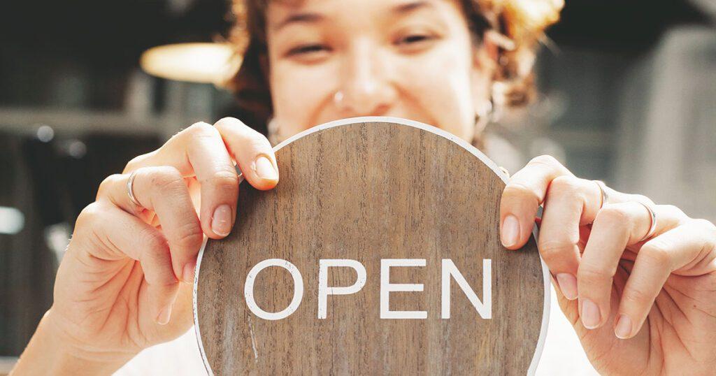 suggerimenti per la comunicazione della riapertura del tuo ristorante