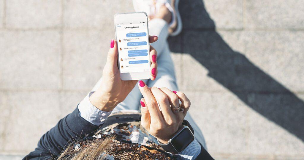 invita gli utenti a contattarti in chat per trovare nuovi clienti